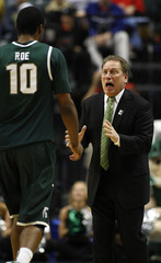 Michigan State's Izzo yells at Roe during a mens Big Ten tournament game in Indianapolis.