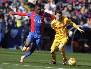Football Soccer - Levante v Barcelona - Spanish Liga - Ciudad de Valencia Stadium, Valencia