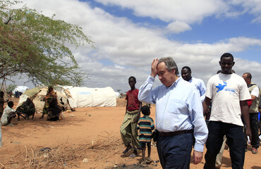 U.N. High Commissioner for Refugees Aotónio Guterres walks at the Dagahaley camp in Dadaab