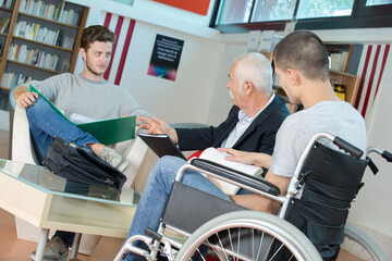professor meeting students