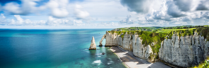 Photo sur Toile Bleu jean Panorama in Etretat/France alabaster coast Normandy,Sea, Landscape, Beach / Frankreich, Meer, Küste, Normandie, Landschaft, Strand,