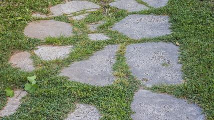 Sentiero antico di sassi ma ristrutturato