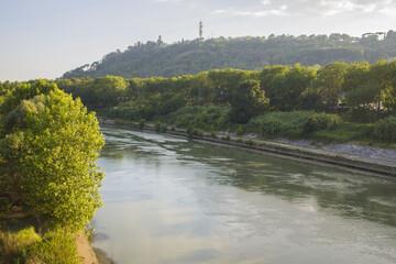 vista del tevere da ponte duca d'aosta vicino lo stadio Olimpico a roma