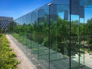 Fototapeta Budynek opery, zieleń na dachu, Lublin, Polska, szklane balkony obraz