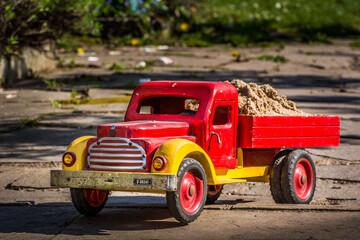 mein Holzlastwagen