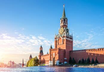 Спасская башня Кремля The Spasskaya Tower of the Kremlin