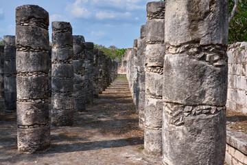 El Templo de los Guerreros y las Mil Columnas