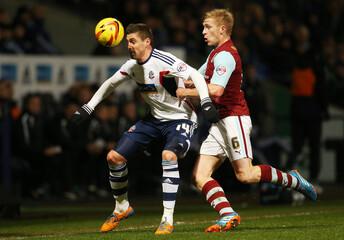 Bolton Wanderers v Burnley - Sky Bet Football League Championship