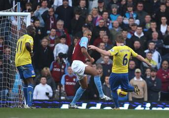 Aston Villa v Stoke City Barclays Premier League