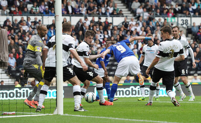 Derby County v Leicester City - Sky Bet Football League Championship