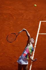 Tennis - Madrid Open - Simona Halep of Romania v Karin Knapp of Italy