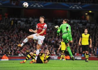 Arsenal v Borussia Dortmund - UEFA Champions League Group Stage Matchday Three Group F