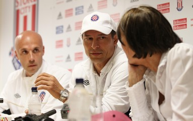 Hajduk Split Press Conference & Training