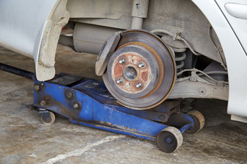 Car disc brake with out wheel
