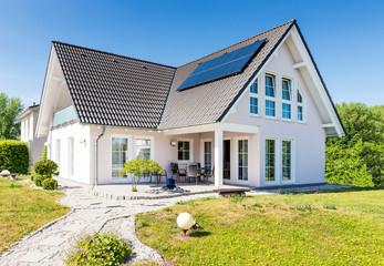 großes Einfamilienhaus, Deutschland
