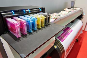 Color ink cartridge in the inkjet plotter