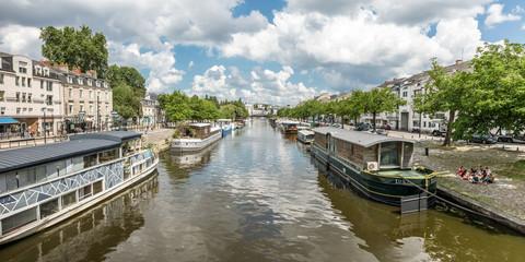 Les bords de l'Erdre vue du pont Saint-Mihiel (Nantes, France)