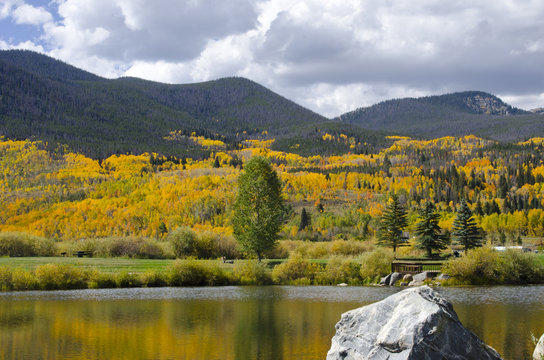 Summit County Autumn Colors and Lake