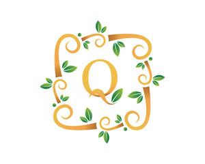 Elegant Floral Q Letter With Gold Branch Logo