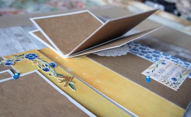 Scrapbooking, elements of scrapbook page