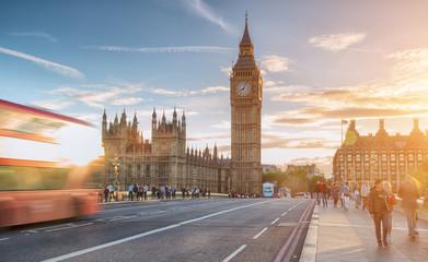 Foto op Aluminium Londen rode bus Westminster Bridge at sunny day