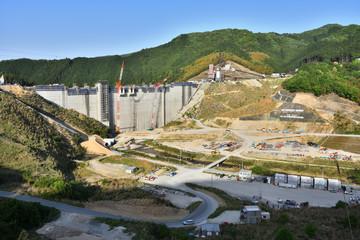 工事中の伊良原ダム(2017年5月)