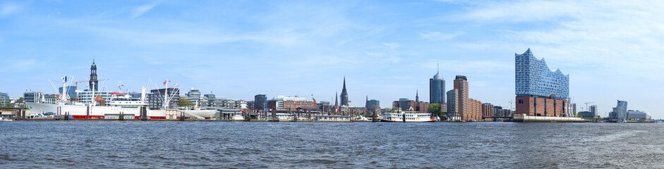 Hamburg harbor Panorama