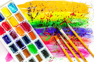 Color oil painting texture with brushes and pallete for bright background