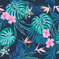 Motif tropical harmonieux de vecteur, feuillage tropique vif, avec feuille de monstera, feuilles de palmier, fleur d& 39 oiseau de paradis, hibiscus en fleur. conception d& 39 impression d& 39 été lumineuse et moderne