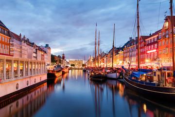 Poster Scandinavië Summer sunset in Nyhaven