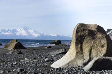Alaskas Strand - mit Vulkanblick