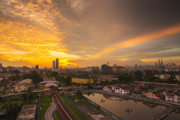 Fotobehang Industrial geb. Panorama of Kuala Lumpur at sunset. Malaysia. Low light and vibrance color.