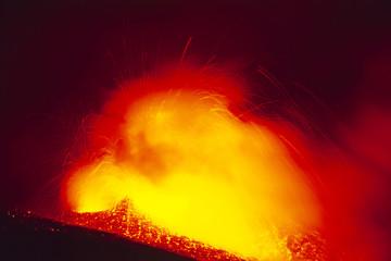 Etna in eruzione, fontana di lava