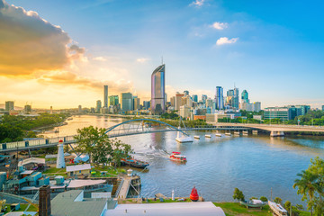 Fotomurales - Brisbane city skyline and Brisbane river at twilight