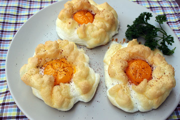 Cloud Eggs or Egg Nests. A delicious breakfast with baked eggs