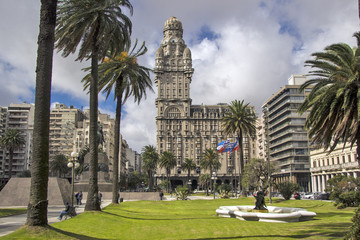 Canvas Prints South America Country Uruguay - Montevideo - Centrally located Salvo Palace (Palacio Salvo) seen from Plaza Independencia (Independence square)