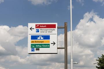 Hinweisschild am Flughafen