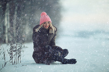 girl winter snow frosty day walk