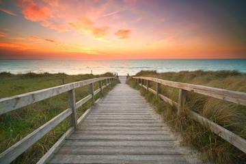 der Weg zur Küste durch die Dünen