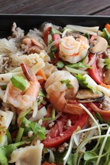Noodles at shrimp salad spicy is delicious