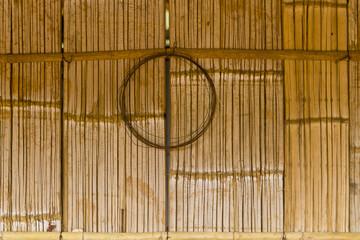 Bambuswand mit Kreis