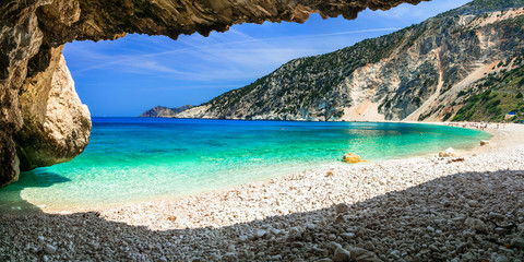 Obraz Famous Myrtos beach in Cefalonia island, view from the cave. Greece - fototapety do salonu