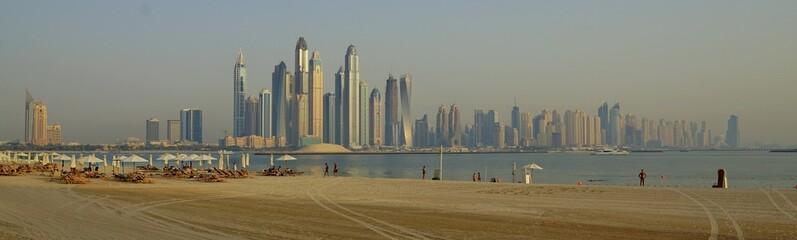 Palm Jumeira Dubai playa edificios paisaje verano mar futuro