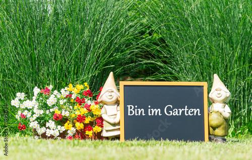 Bin Im Garten Stockfotos Und Lizenzfreie Bilder Auf Fotoliacom