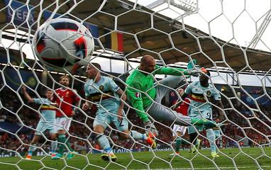 Belgium's Alderweireld scores their first goal