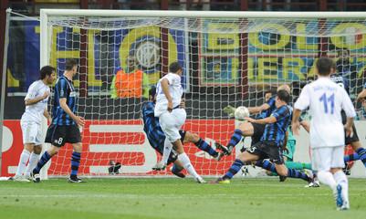 Inter Milan v FC Schalke 04 UEFA Champions League Quarter Final First Leg