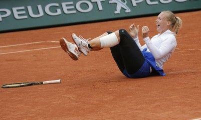 Tennis - French Open Women's Singles Quarterfinal match - Roland Garros - Kiki Bertens of the Netherlands v Timea Bacsinszky of Switzerland