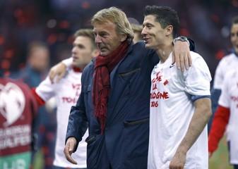Poland's Lewandowski and Presidnet of the Polish Football Association Boniek celebrate after winning Euro 2016 qualification soccer match against Republic of Ireland in Warsaw