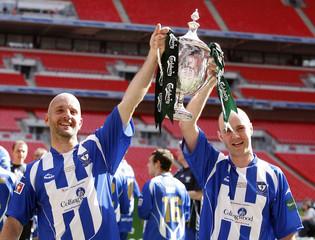Glossop North End v Whitley Bay FA Vase Final