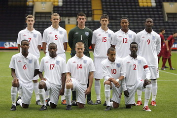 England team lineup before the game
